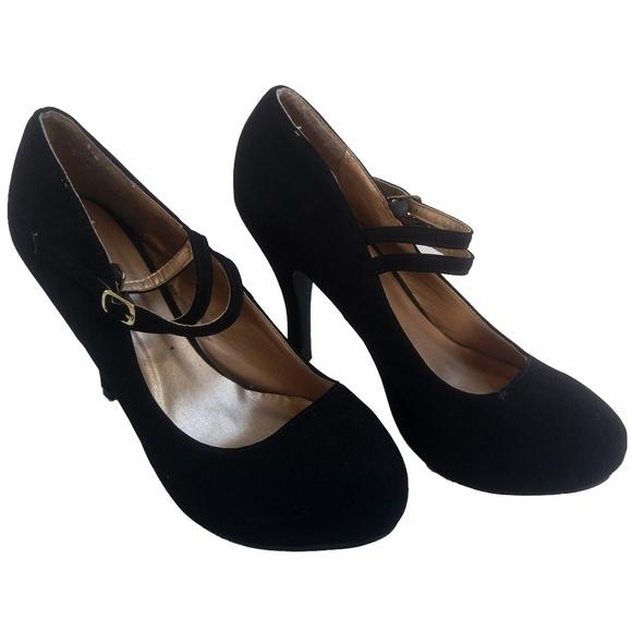 Cheri Womens Black Heels SZ 10 Velvet Ankle Strap
